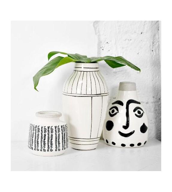 Vase visage blanc et noir