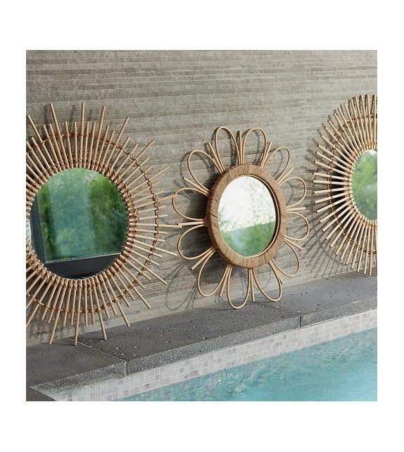 esprit vintage avec ce miroir soleil en bambou. Black Bedroom Furniture Sets. Home Design Ideas